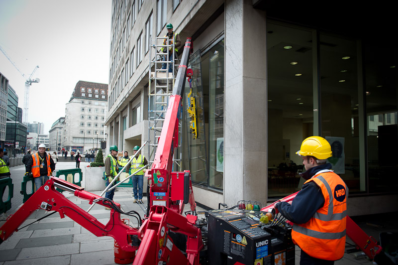 Shell Centre Statue Removal Gallery Gallery